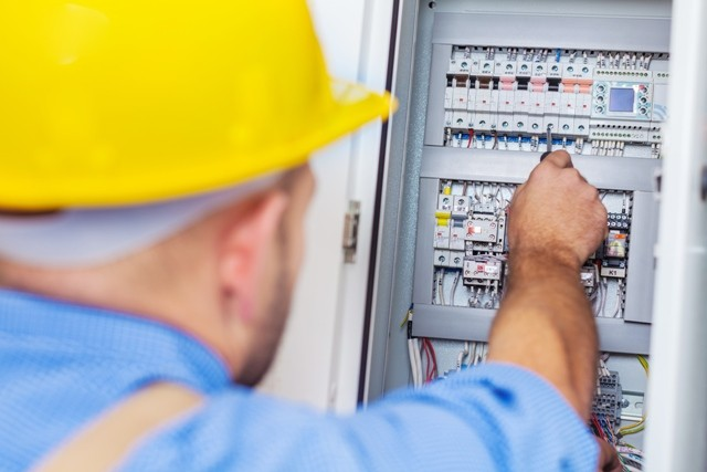 Signs That Your Home Needs Electrical Maintenance